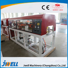 China Floor PE Wpc Extruder Machine , Wpc Board Making Machine Excellent Water Resistance factory
